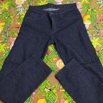 Calça jeans com Lycra.
