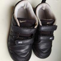 Nike preto doação