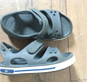 Sandália cinza Crocs - 26 - Crocs
