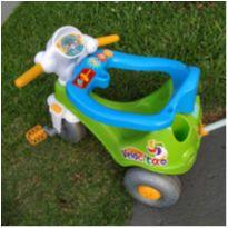 Triciclo Velocita com empurrador -  - Calesita