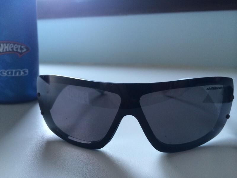 3e1b93b43a31b Óculos masculino chilli beans hot wheels com proteção contra raios UVA   UVB