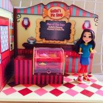 Boneca e casinha I Carly com forno para tortas - Sem faixa etaria - Não informada