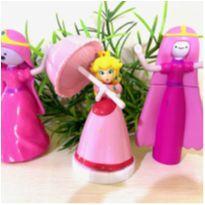 3 bonecas -  - Não informada