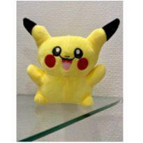 pikachu  pelucia -  - Não informada