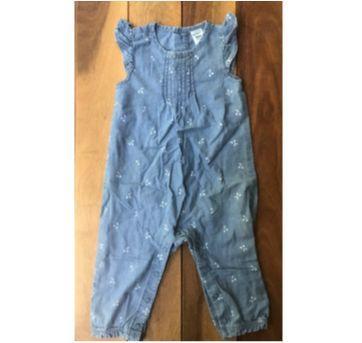 Macacão jeans cerejinha - 6 meses - Carter`s