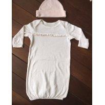 Camisola branca cheia de coraçõeszinhos Rosa (acompanho touca) - 3 a 6 meses - Little Me