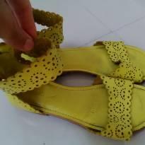 Sandália amarela - 31 - Pampili