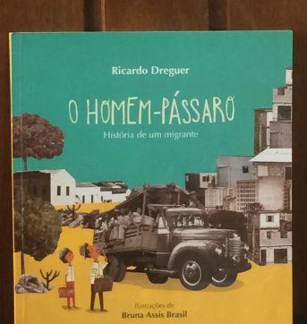 LIVRO- O HOMEM-PÁSSARO - Sem faixa etaria - Editora Moderna