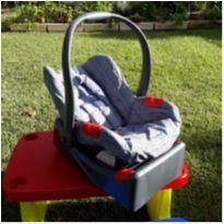 Bebê conforto/ cadeirinha para carro Burigotto Touring Evolution SE com base -  - Burigotto