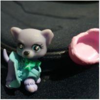 gatinha com roupa, colar e cama da  littlest pet shop -  - Hasbro