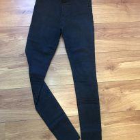 Calça jeans preta super stretch - P - 38 - Não informada