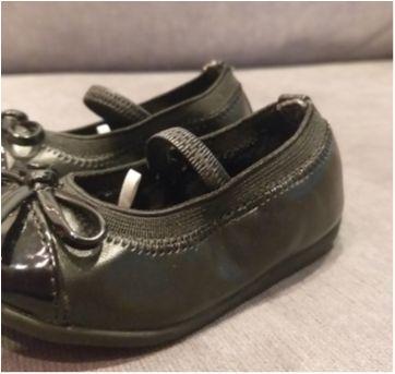 Sapatilhas pretas para bebê - 04 - Place