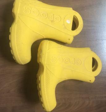 Bota chuva CROCS - COM MARCAS DE USO - 24 - Crocs