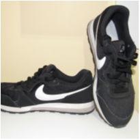Tênis Nike Masculino Casual Md Runner 2 TAMANHO 37,5