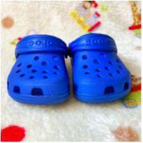 Crocs - Sandália Clog Infantil Classic Littles Crocs - Azul - 21 - Crocs