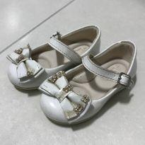 Sapato branco - 19 - Meli
