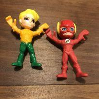 Bonecos super heróis kinder ovo Aquaman e Flash -  - Kinder Ovo
