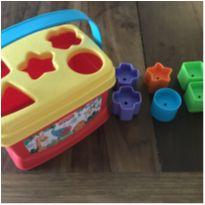 Brinquedo Balde de encaixar Fischer Price - 8 peças -  - Fisher Price