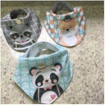 3 de babadores artesanais para bebê -  - Artesanal
