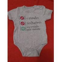 Body curto cinza frase divertida pode vestir até 9M depende do tamanho do bebê - 3 a 6 meses - Boulevard Baby