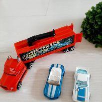 Caminhão Hotwhells mais dois carrinhos -  - Hot Wheels