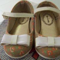 0456-Primavera: Sapatilha boneca florzinhas - 20 - brink