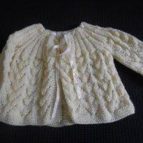 0694-Casaquinho de lã amarelo - Recém Nascido - Artesanal