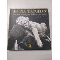 """0541-Livro """"Um dia daqueles"""" - Sem faixa etaria - Editora Sextante"""