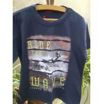 1412-Camiseta preta surf - 6 anos - sem etiqueta