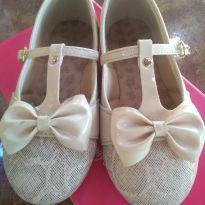 1657-Sapato creme lacinhos - 26 - Kidy