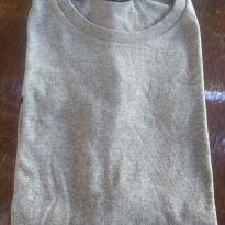 1678-Camiseta cinza - 8 anos - Não informada