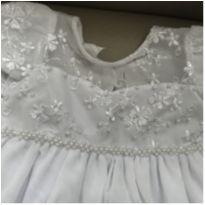 Vestido lindo de tule e bordado com pérolas para batizado - 6 a 9 meses - Não informada
