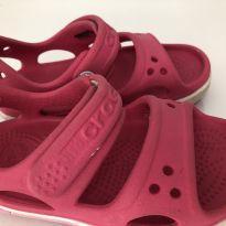 Sandália Crocs rosa C7 (21/22) - 22 - Crocs
