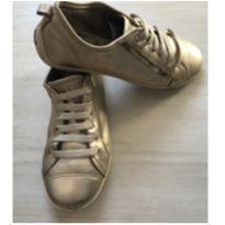Tênis Dourado Cravo&Canela - 34 - Marca não registrada