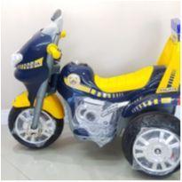 Moto elétrica- triciclo Biemme 6v NOVA SEM USO! -  - Não informada