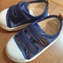 Dois pares de sapato!