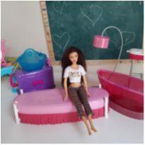 Barbie com móveis