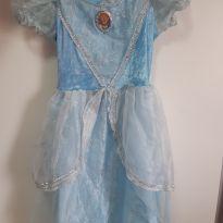 Vestido Cinderela - 7 anos - Outras