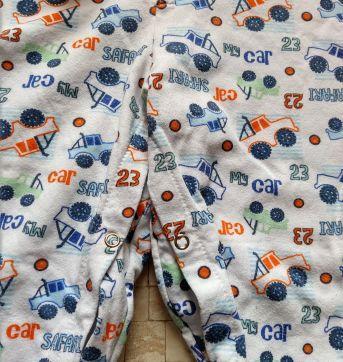 Pijama  com pézinho - 4 anos - Não informada