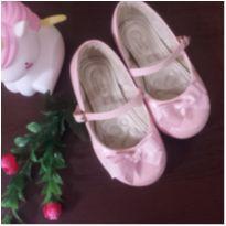Sapato delicado - 24 - Magia de Criança