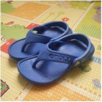 Sandalia Crocs Baya Flip Kids - NOVO - 26 - Crocs