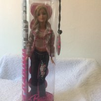 Boneca Barbie Fashion Fever - Sem faixa etaria - Mattel