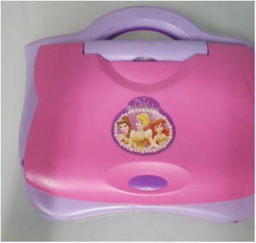 Laptop princesas - Sem faixa etaria - Candide