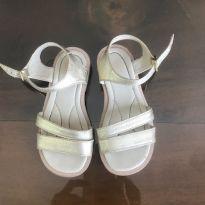 Sandalia Dourada - 24 - Não informada