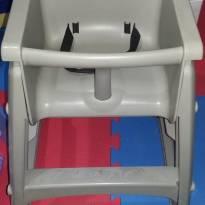 Assento infantil Sturdy Chais Rubbermaid Importada -  - Importada