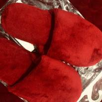 Pantufa felpuda vermelha - 36 - Não informada