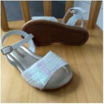 Sandália branca com brilho - 22 - Pampili