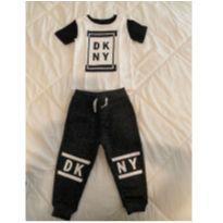 Conjunto Camiseta e Calça DKNY