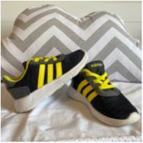 Tênis Adidas Tamanho 7K - 22 - Adidas