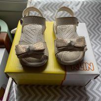 sandália marca klin, com velcro de ajuste no tornozelo e na frente - 18 - Klin
